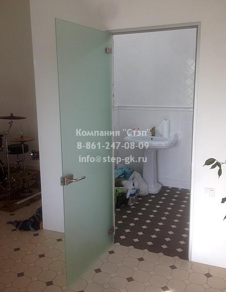 Цельностеклянные двери для ванных комнат